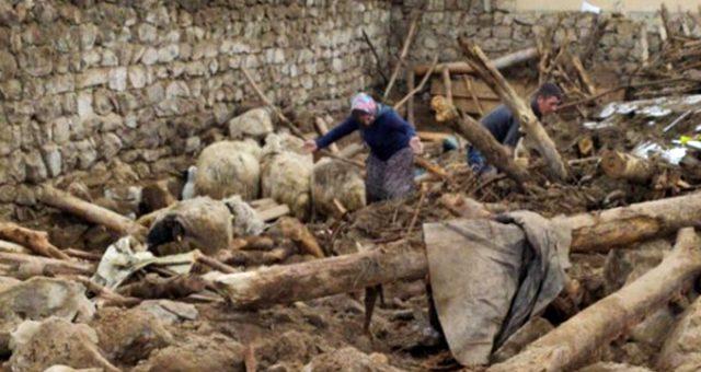 Son Dakika: İran'da meydana gelen 5.9'luk deprem sonrası Van'da 7 kişi hayatını kaybetti