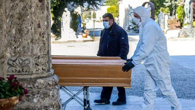 Son dakika: İspanya'da Kovid-19 salgınında hayatını kaybedenlerin sayısı bir günde 832 kişi arttı
