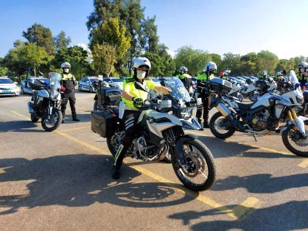 Son dakika... İzmir'de, 'Şahinler' timine 21 motosikletli trafik polisi daha katıldı