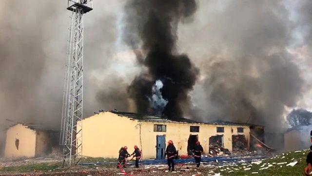 Son dakika: Sakarya'da havai fişek fabrikasında patlama meydana geldi, 56 kişi yaralandı