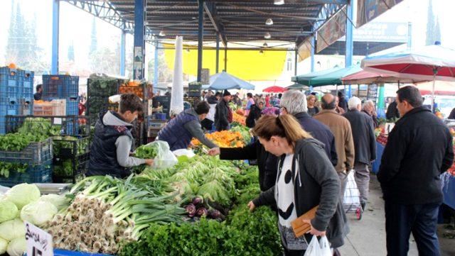 Son Dakika: Semt pazarlarında temel gıda ve temizlik maddelerinin haricindeki tüm ürünlerin satışına yasak geldi