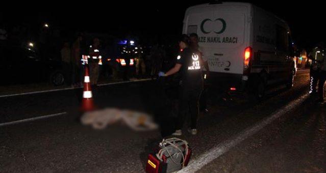 Tır, traktöre arkadan çarptı: 1 ölü, 7 yaralı